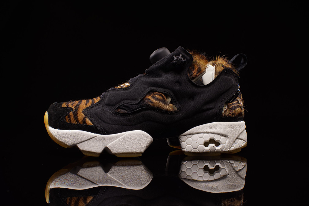 aq9213-disney-reebok-instapump-fury-shere-khan-the-jungle-book-01