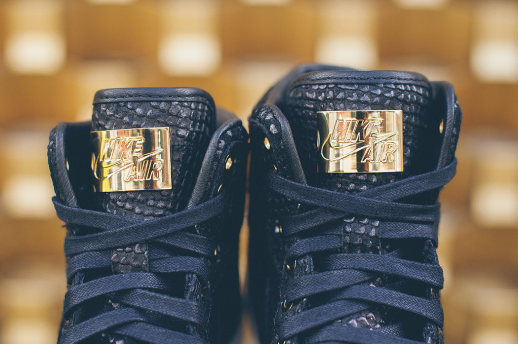 Air Jordan 1 Pinnacle - Blk:Metallic Gold