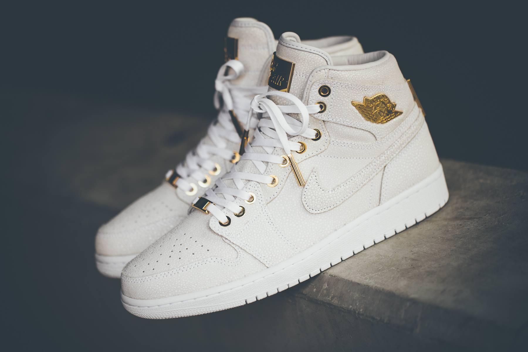 Jordans Weiß Gold