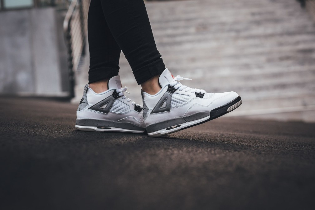 Air-Jordan-4-Retro-OG-White-Cement-BG-01