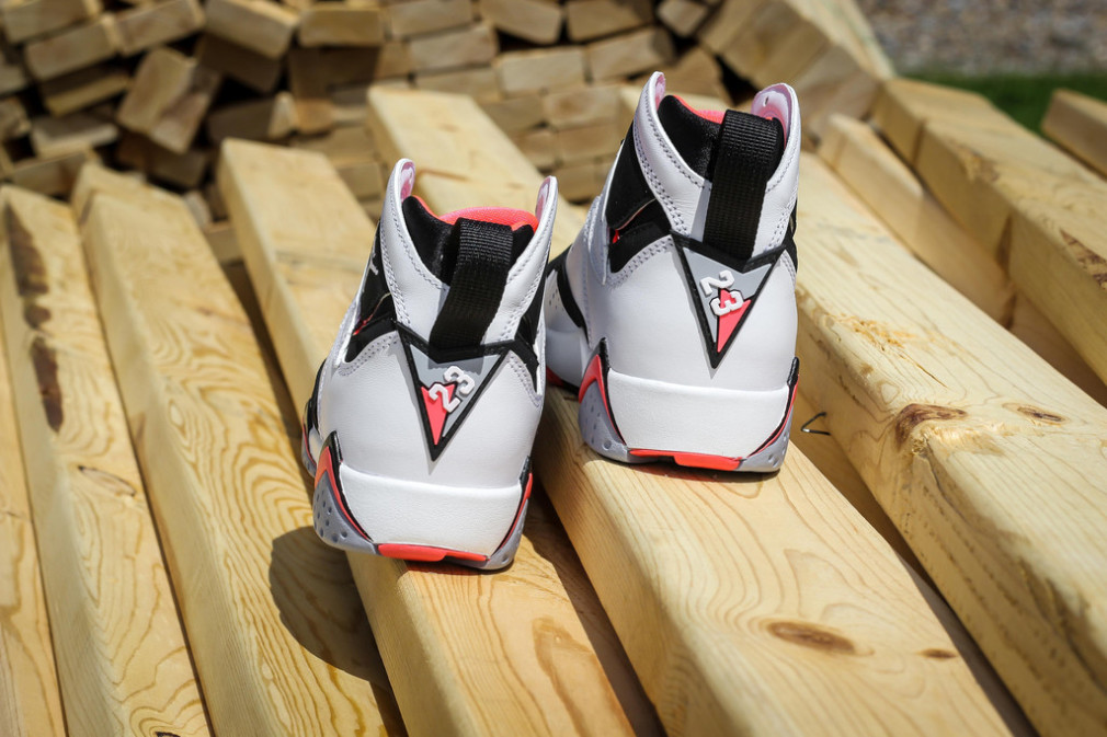 Air Jordan 7 Retro GG White:White-Black-Hot Lava