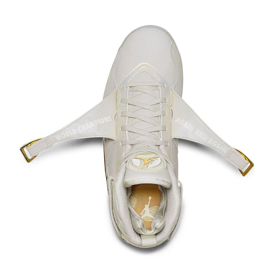 Air-Jordan-8-Retro-Trophy-04