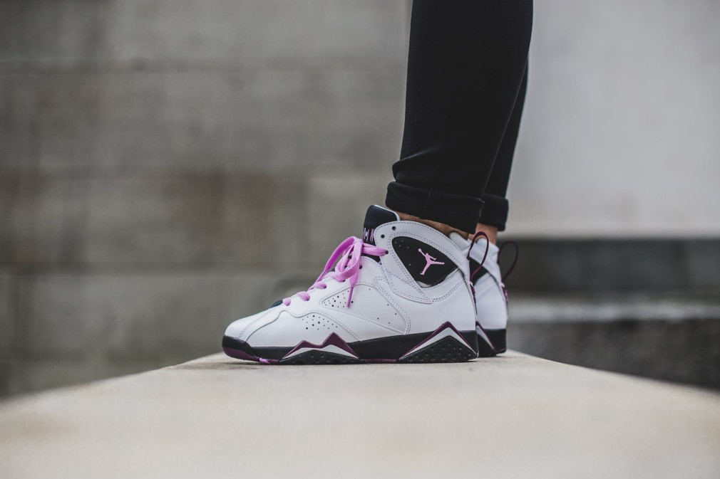 Air-Jordan-Retro-7-Fuchsia-Glow-1