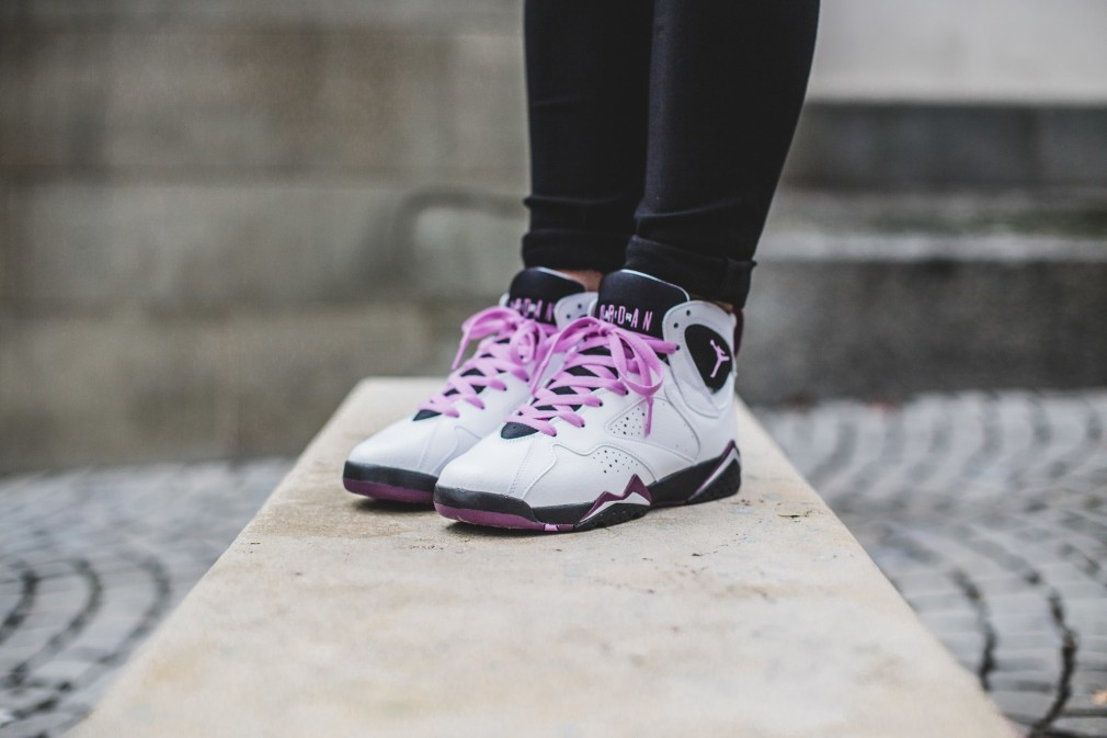 Air-Jordan-Retro-7-Fuchsia-Glow-2