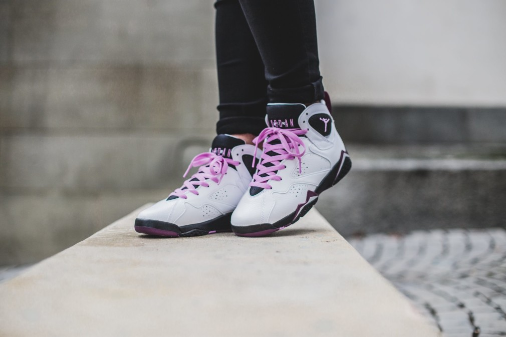 Air-Jordan-Retro-7-Fuchsia-Glow-3