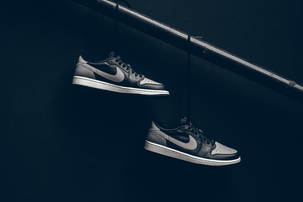 Air_Jordan_1_Low_Shadow_Black_Grey_Sneaker_POlitics_Hypebeast_3
