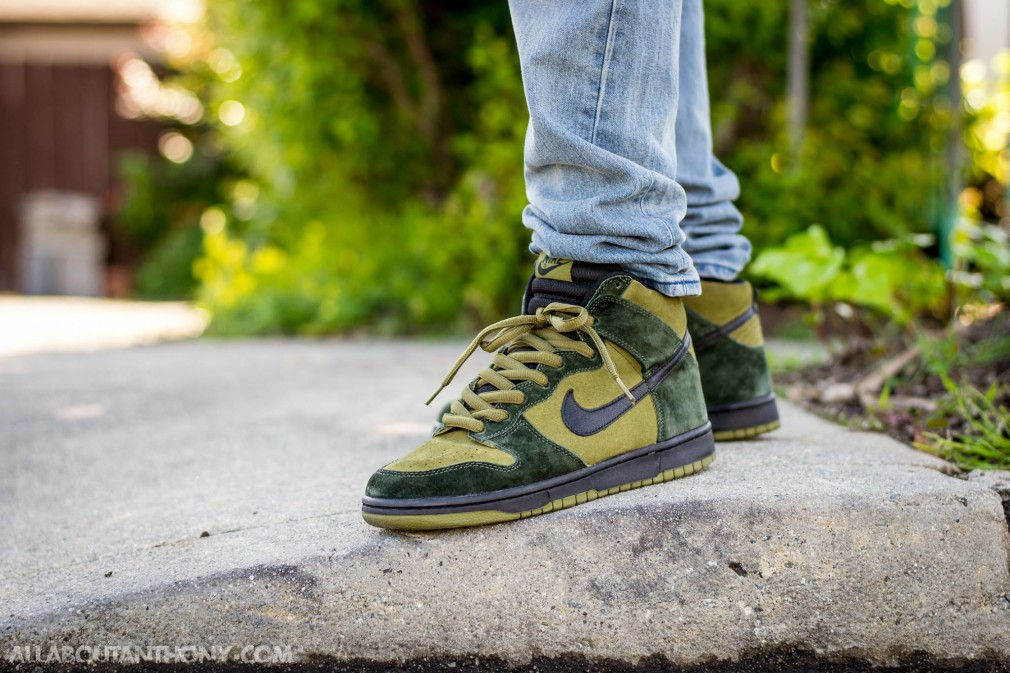 Anthony-Levine-Nike-Dunk-SB-High-Hulk