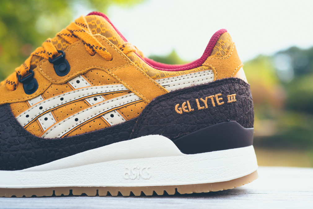 Asics-Workwear-Pack-Gel-Lyte-III-4 off-white suede leather