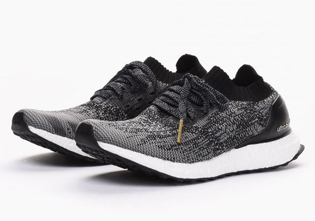 BB3904-adidas-ultra-boost-uncaged-womens-black-white-01