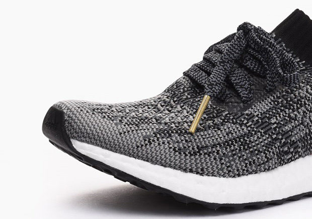 BB3904-adidas-ultra-boost-uncaged-womens-black-white-02