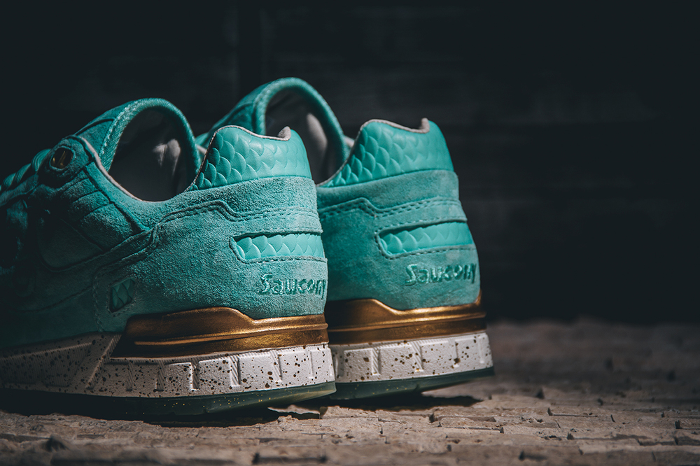 EPITOME X Saucony Shadow 5000 Righteous One