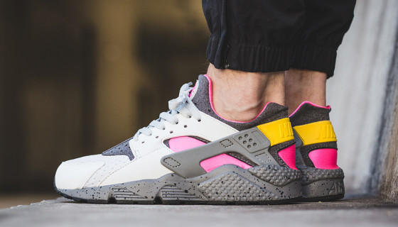Nike Air Huarache Run SE Pink Blast