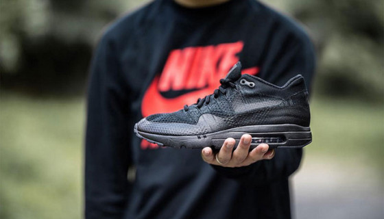 Nike Air Max 1 Ultra Flyknit Triple Black