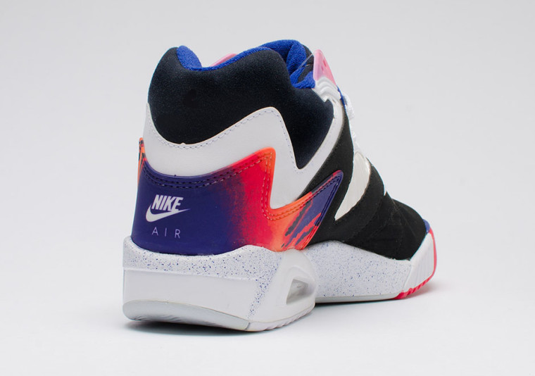 Nike Air Tech Challenge IV