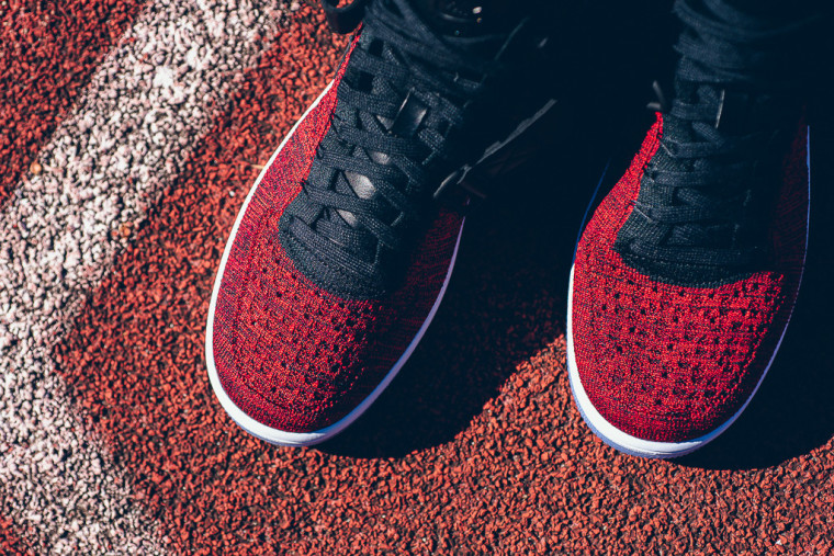 Nike-Air-Force-1-Ultra-Flyknit-Mid-University-Red-8