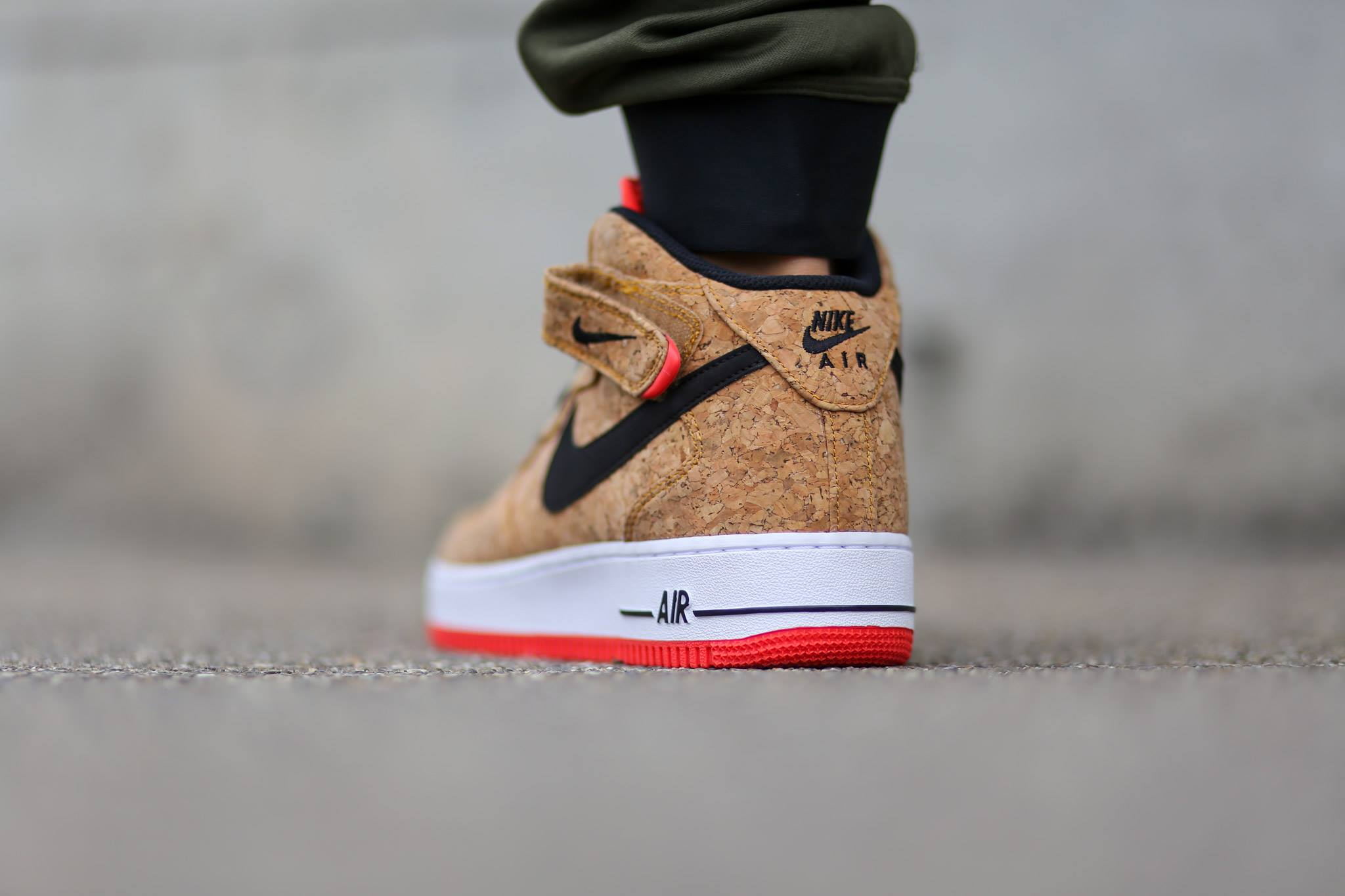 low priced b90d9 5f248 2048 x 1365 sneakersaddict.com. Nike Air Force One Mid ...