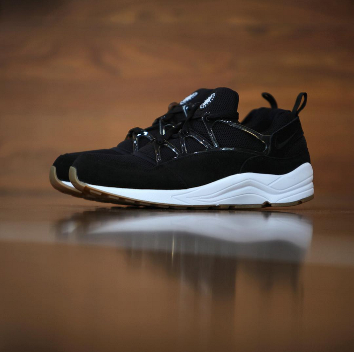 nike huarache noir light