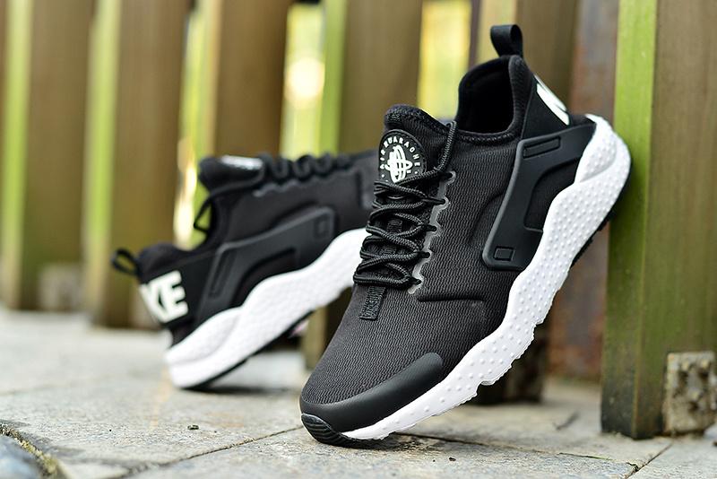Nike Air Huarache Run Ultra BlackWhite
