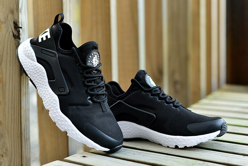 free shipping bab9c 1f6f1 Nike Air Huarache Run Ultra Preview - Black White