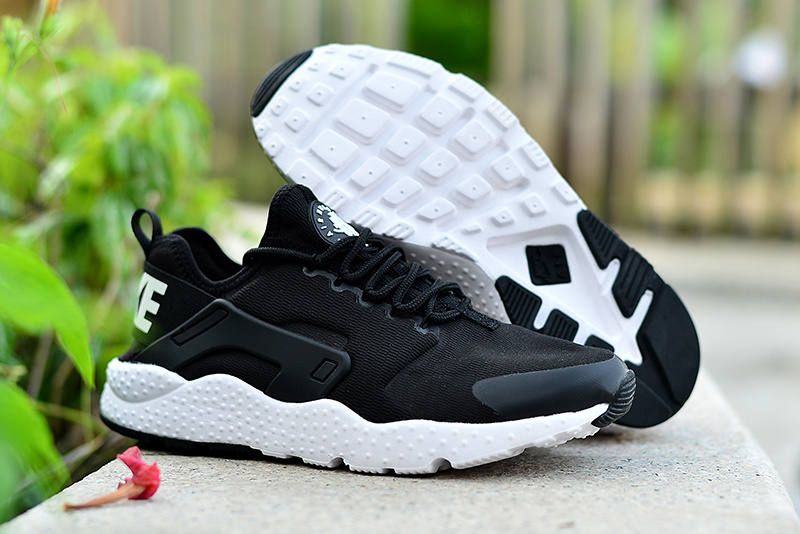 official photos 322e1 b645d Nike-Air-Huarache-Run-Ultra-4
