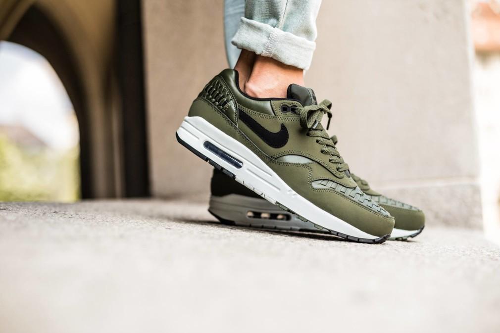 Nike-Air-Max-1-Woven-Carbon-Green-2