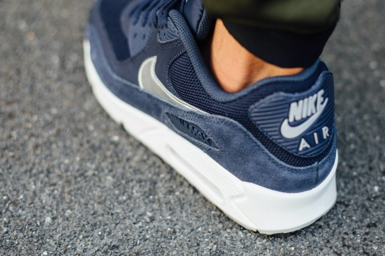 Nike Air Max 90 Essential - Midnight Navy:Metallic Silver-White 537384-411