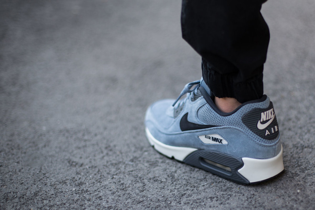 Nike-Air-Max-90-Leather-Premium-Blue-Graphite-1jpg