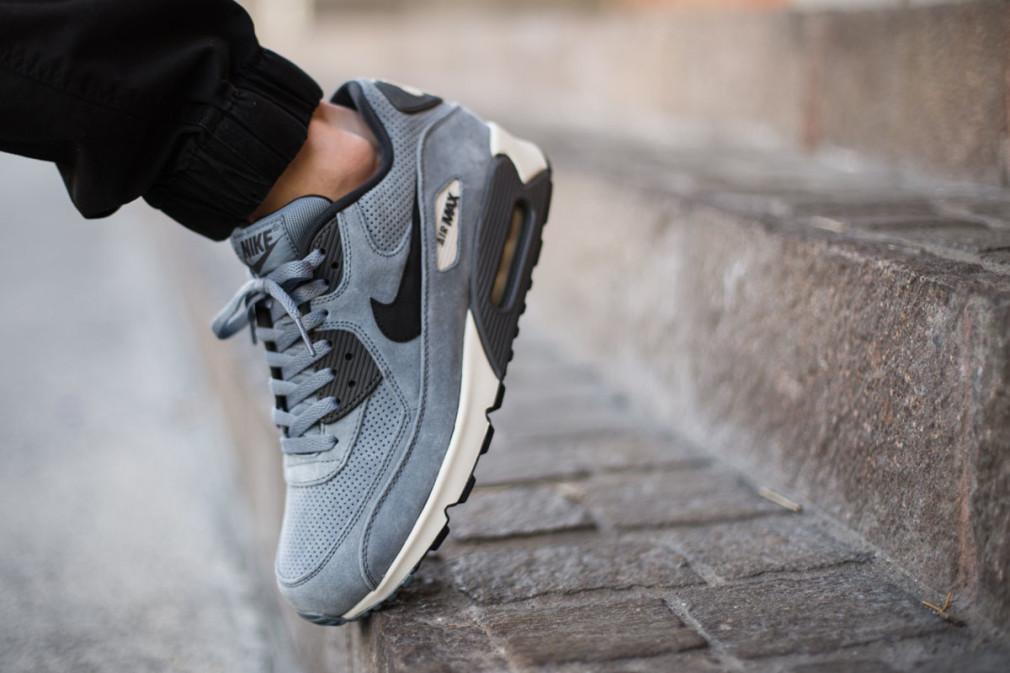 Nike-Air-Max-90-Leather-Premium-Blue-Graphite-2