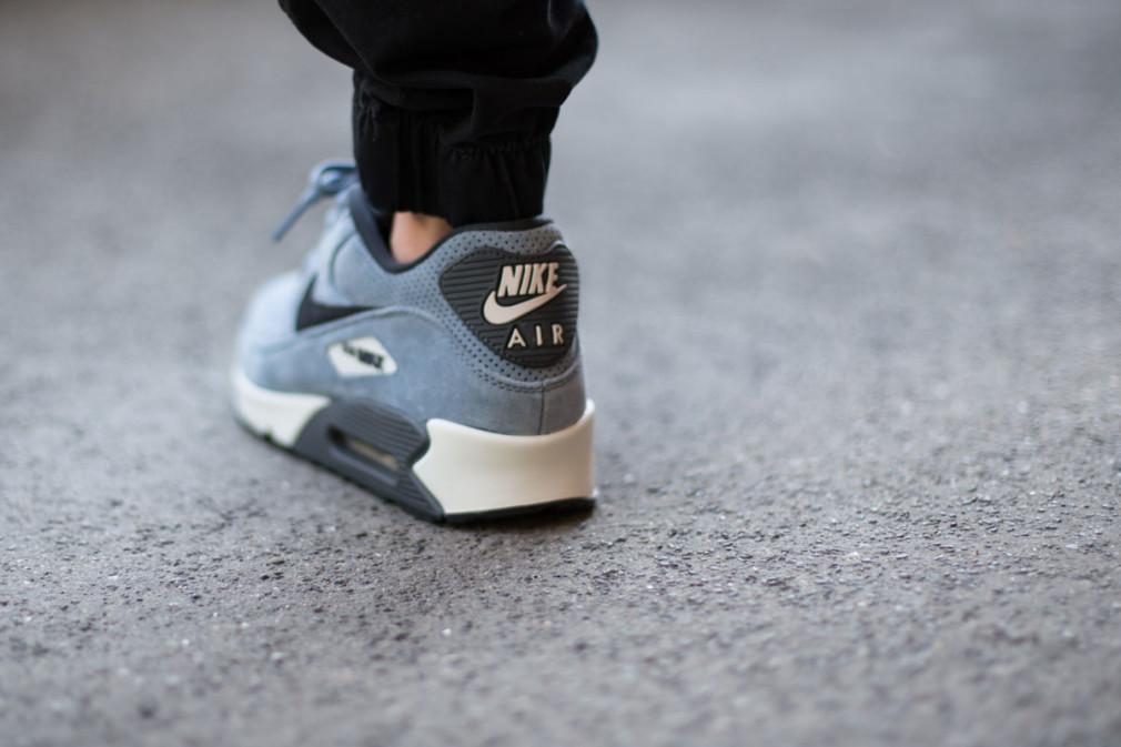 Nike-Air-Max-90-Leather-Premium-Blue-Graphite-3