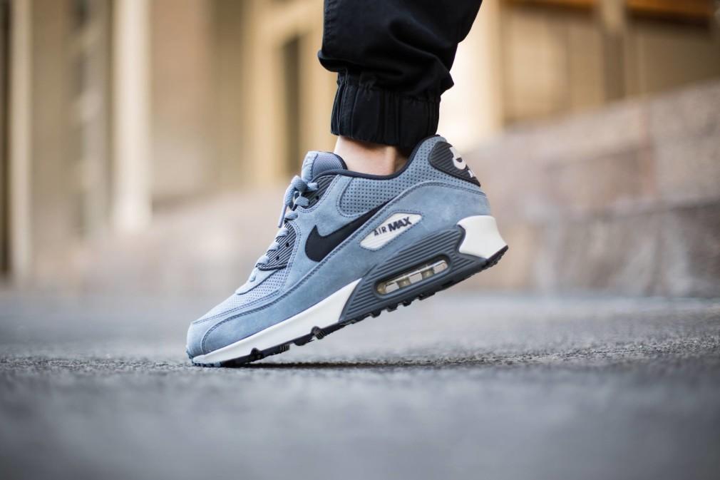 Nike-Air-Max-90-Leather-Premium-Blue-Graphite-4