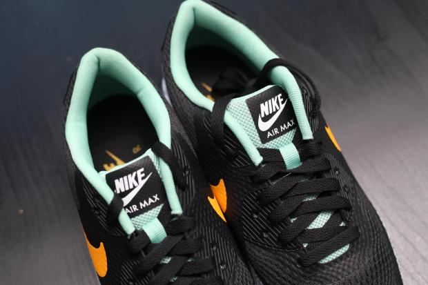 Nike-Air-Max-90-Ultra-Reflective-Safari-3-819474-008