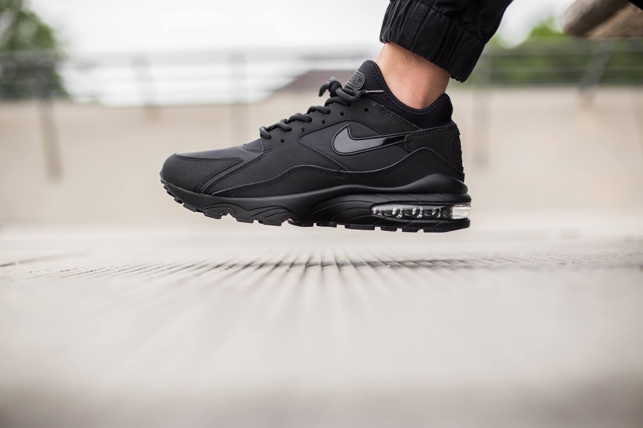 Nike Air Max 93 Triple Black Sneakers Addict
