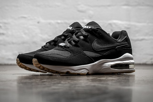 Nike-Air-Max-94-Wolf-Grey-Black-Gum-4