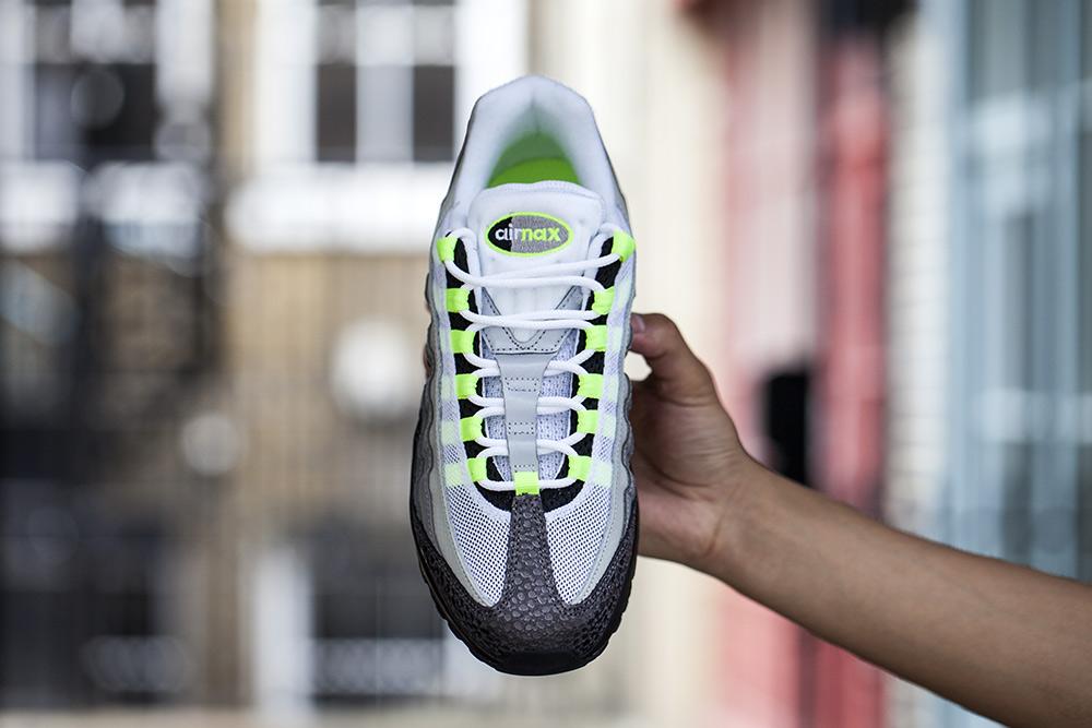 Nike Air Max 95 OG PRM Neon BLACK:VOLT-MEDIUM ASH-DARK PEWTER 759986-071