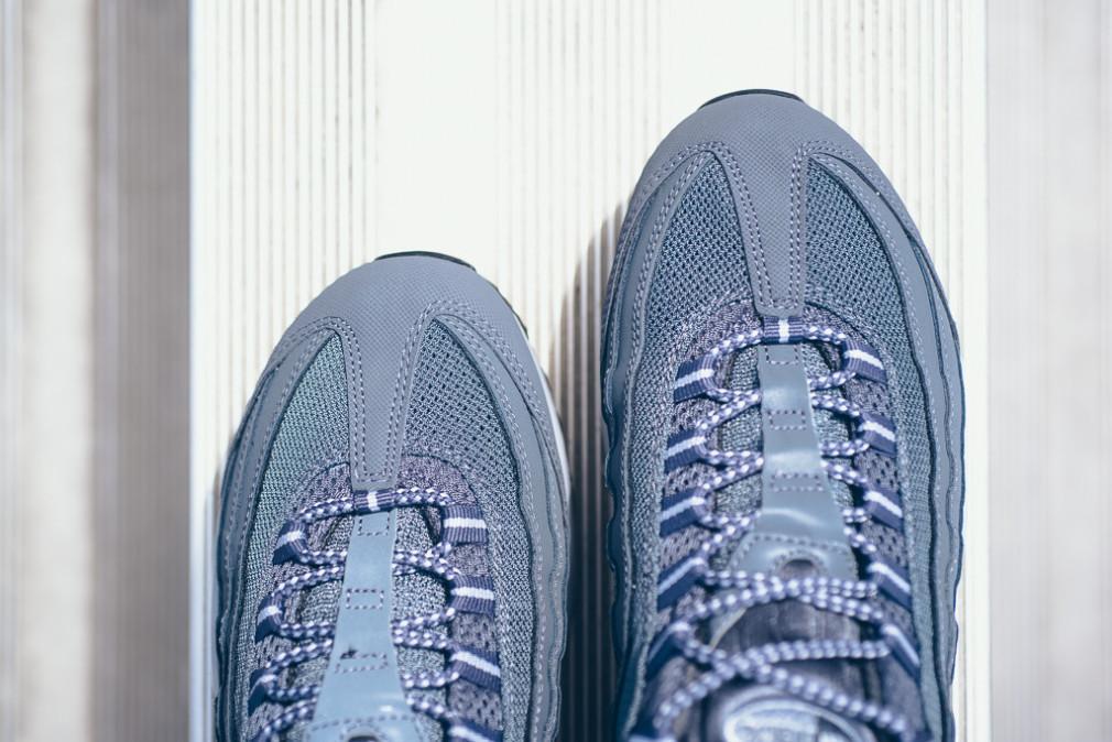 Nike-Air-Max-95-Wolf-Grey-Dark-Grey-3