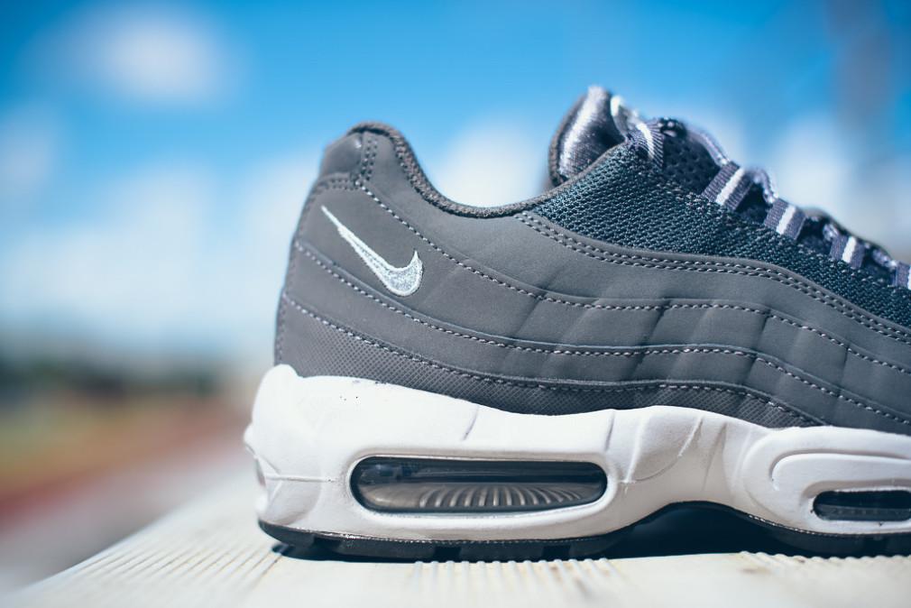 Nike-Air-Max-95-Wolf-Grey-Dark-Grey-5