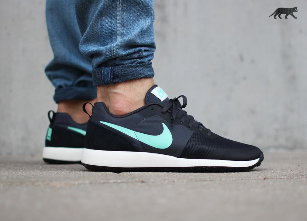 Nike-Elite-Shinsen-Anthracite-Green-Glow-2