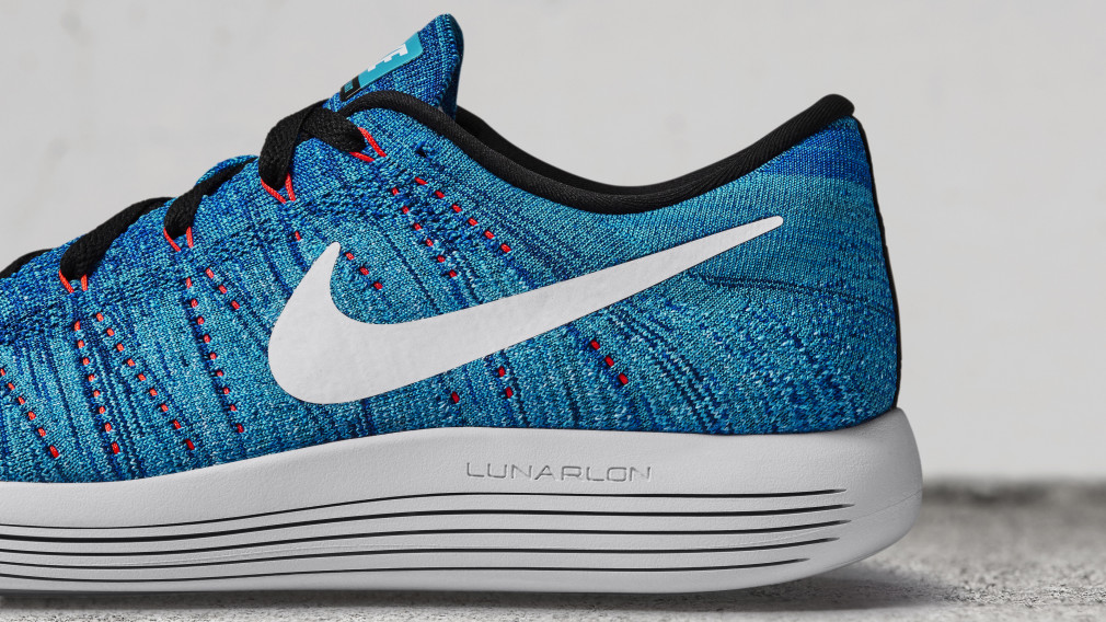 Nike-LunarEpic-Low-Flyknit-02