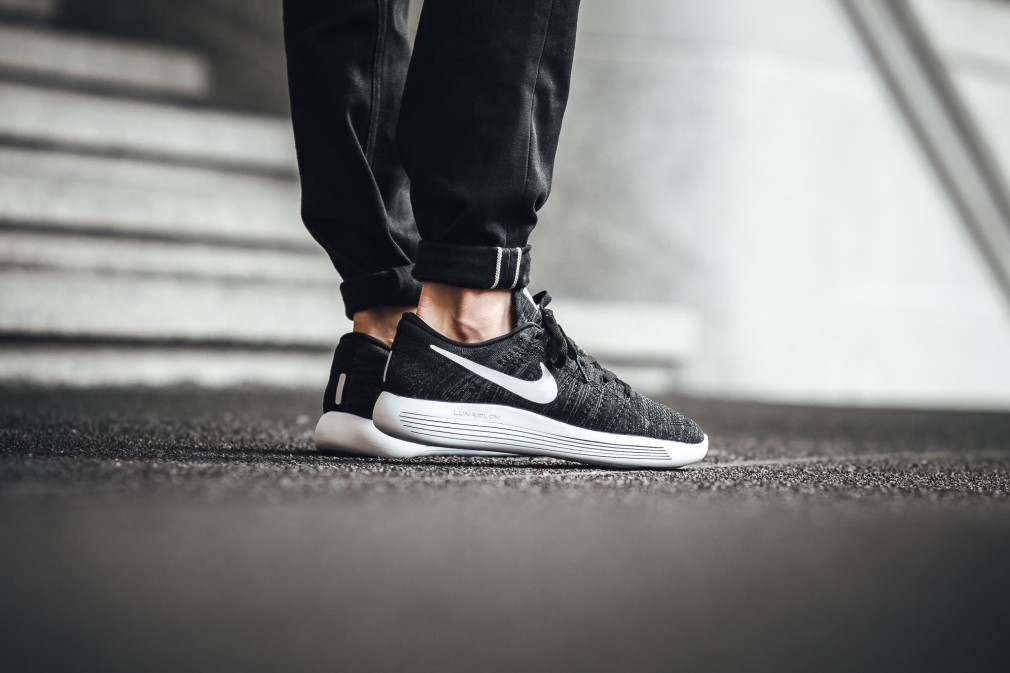 Nike-LunarEpic-Low-Flyknit-08