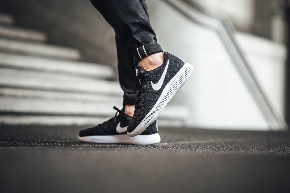 Nike-LunarEpic-Low-Flyknit-09