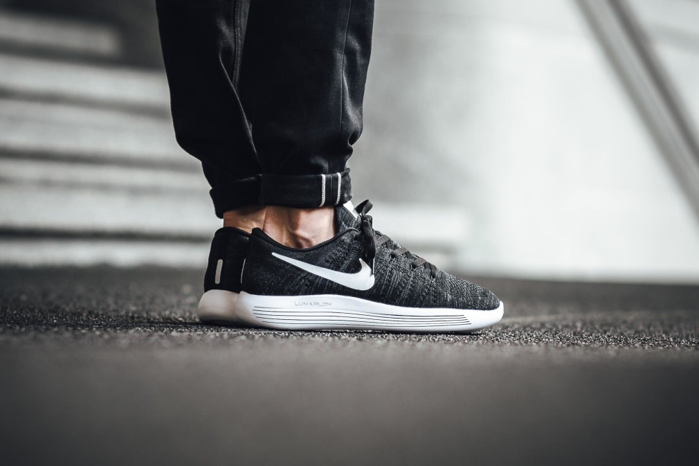 Nike-LunarEpic-Low-Flyknit-10
