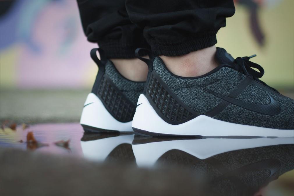 Nike-Lunarrestoa-2-SE-2