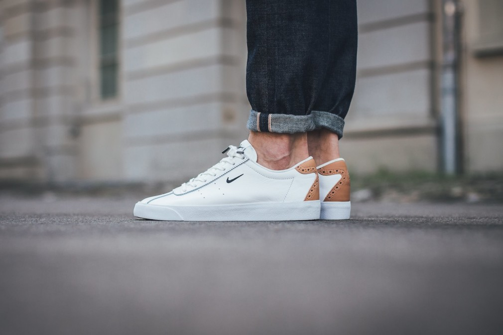 nike classic match <strong>nike roshe run a courir</strong>  white
