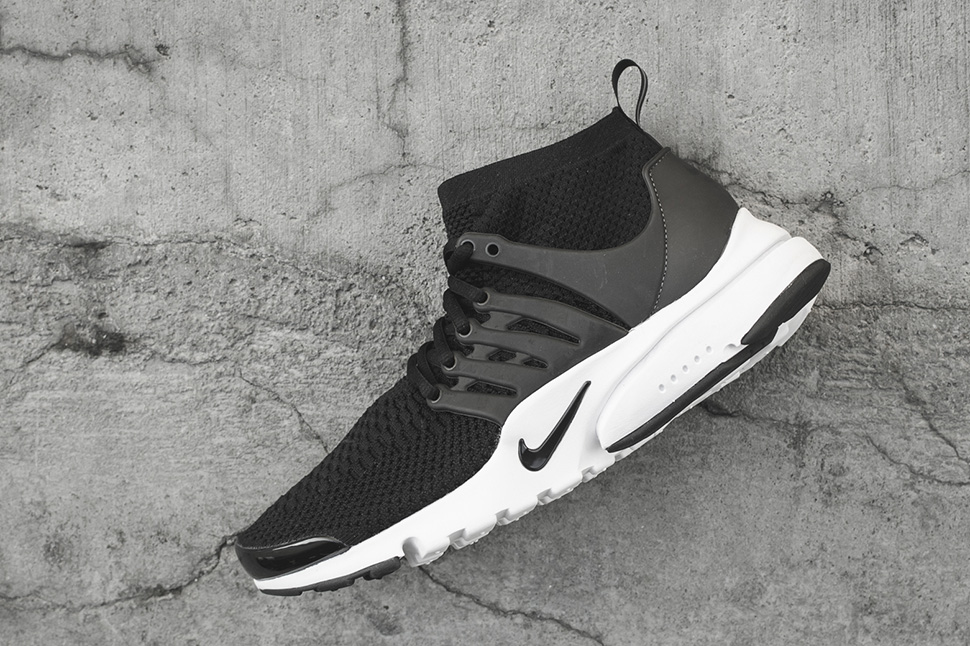Nike-Presto-Flyknit-Ultra-High-Black-White-02