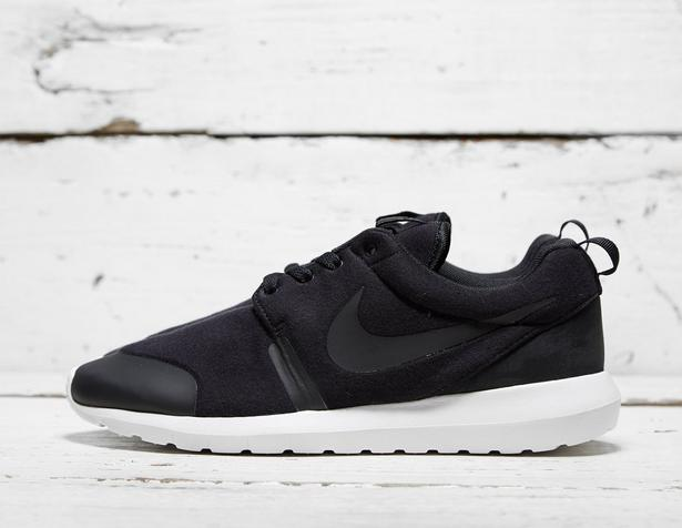 Nike-Roshe-One-NM-Fleece-Pack-Black-1