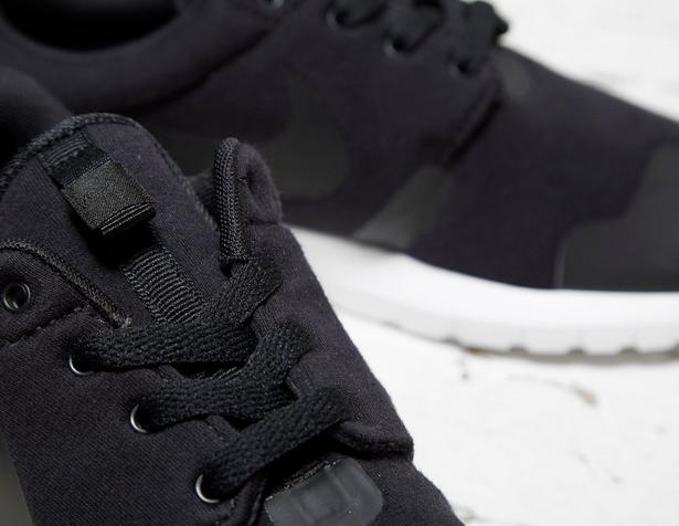 Nike-Roshe-One-NM-Fleece-Pack-Black-2