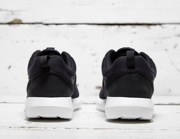Nike-Roshe-One-NM-Fleece-Pack-Black-3
