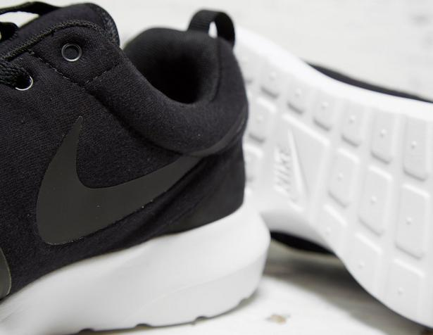 Nike-Roshe-One-NM-Fleece-Pack-Black-4