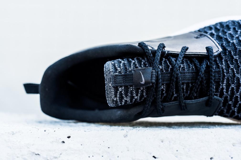 Nike-Roshe-One-NM-Flyknit-PRM-Black-6