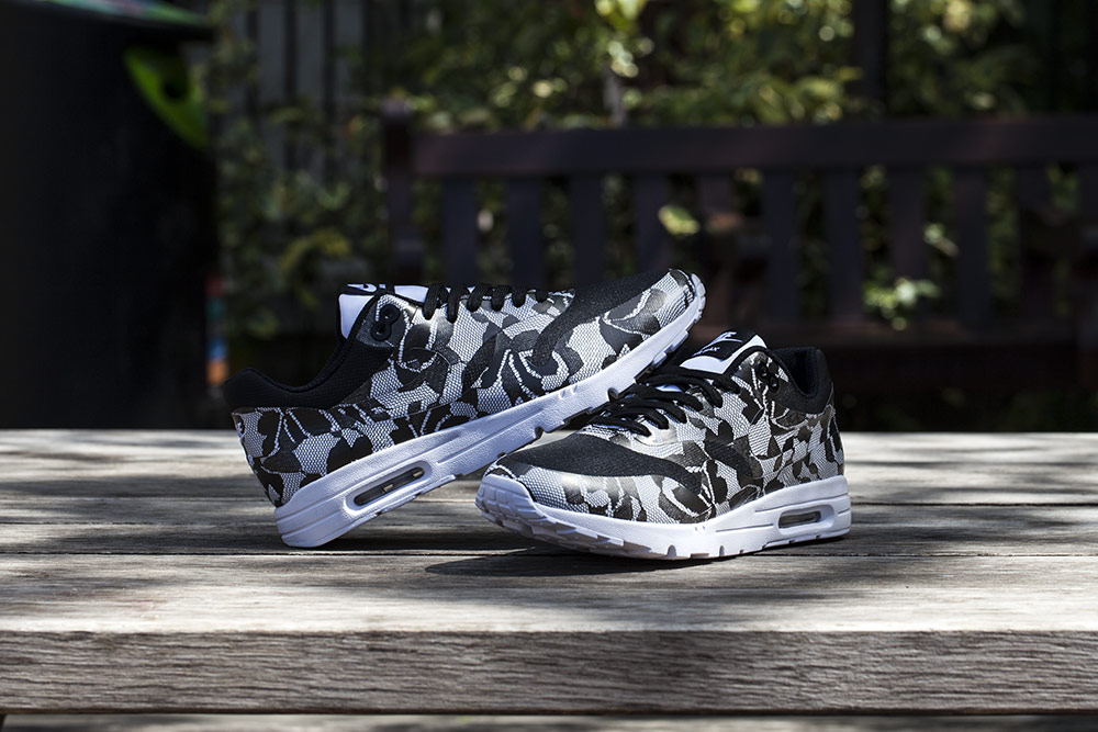 Nike-WMNS-Lace-Pack-2